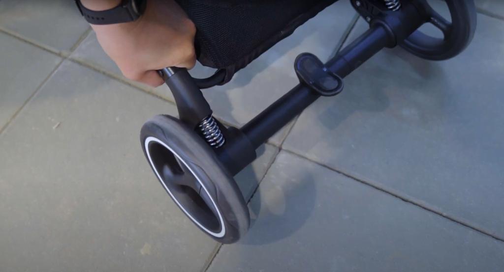 Wózek Cybex Beezy został wyposażony w amortyzację na wszystkie 4 koła!
